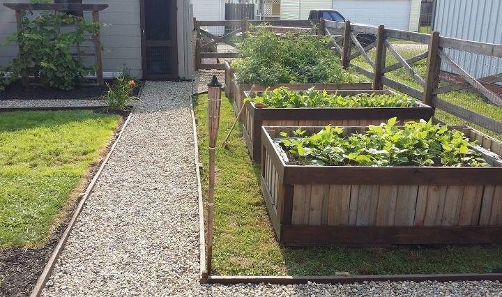 Garden Box Ideas (Small Town Homestead)