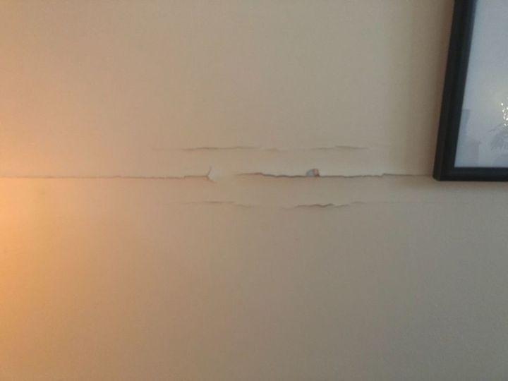 q drywall tape crack repair