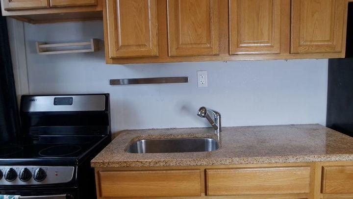 renter friendly washi tape backsplash