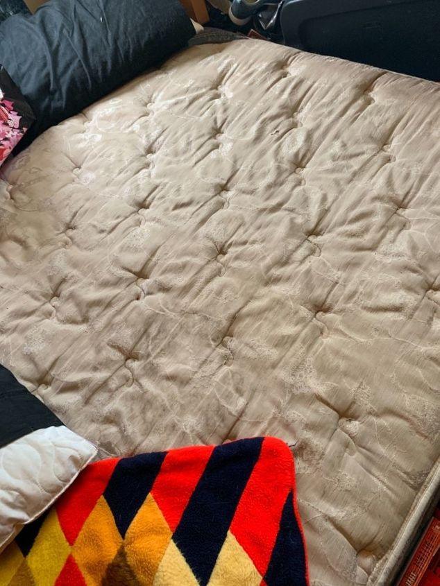 q how do i clean a dirty mattress