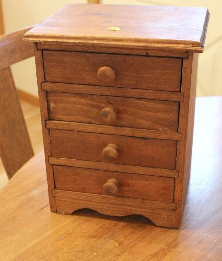 how to paint a garage sale wooden jewelry chest