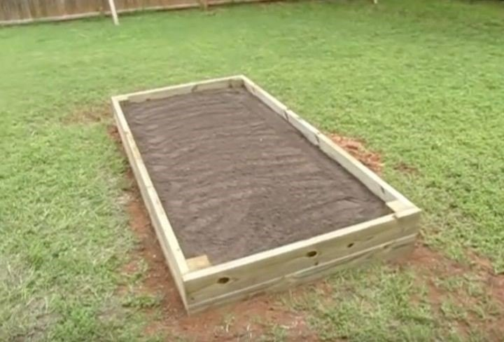 DIY Raised Garden Bed (Jason Lee)