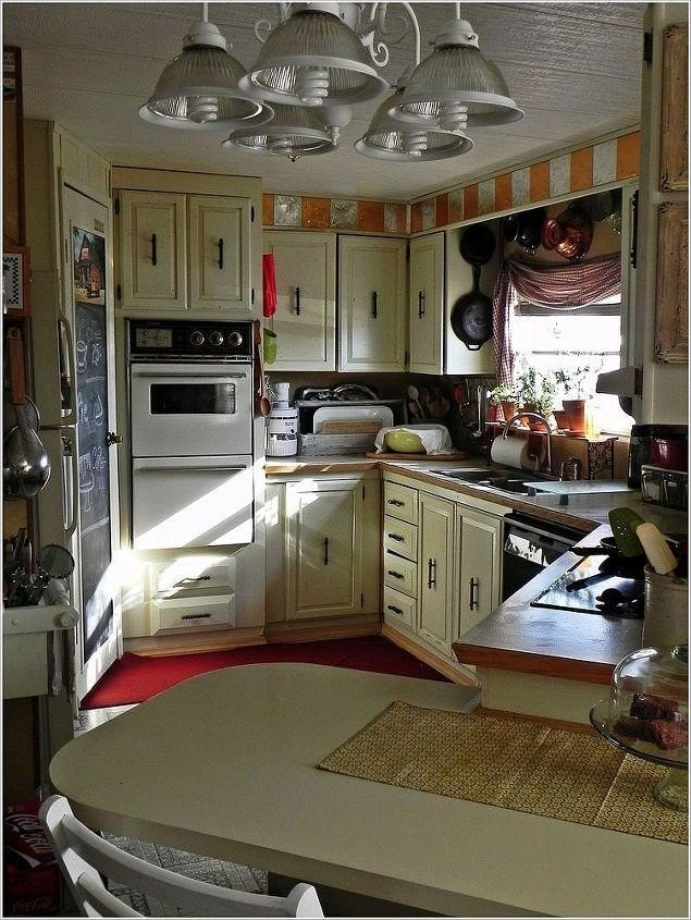 Mobile Home Kitchen Remodel (Shannon O- Junkflirt)