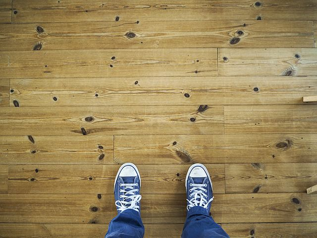 Laminate Flooring (Pixabay)