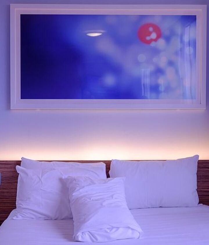 Bedroom Wall Decor (Pixabay)