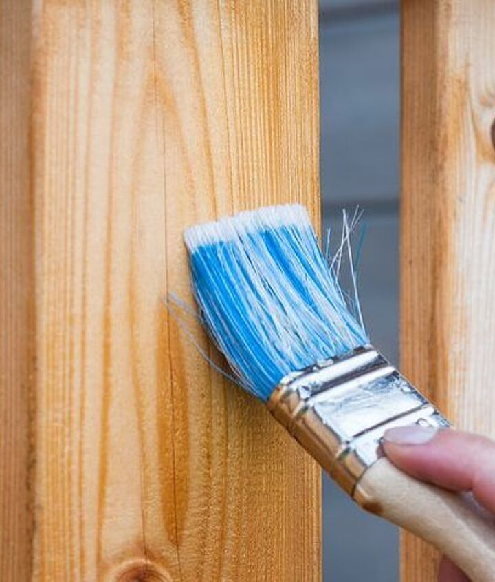 How To Stain A Deck (Pixabay)