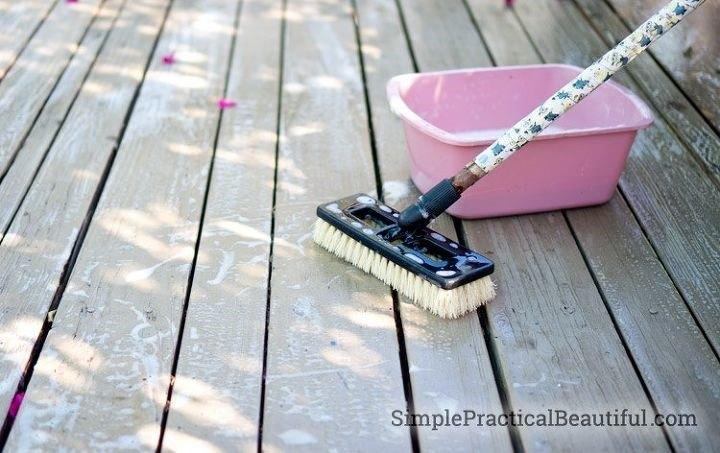 Deck Stain Brush (SimplePracticalBeautiful)