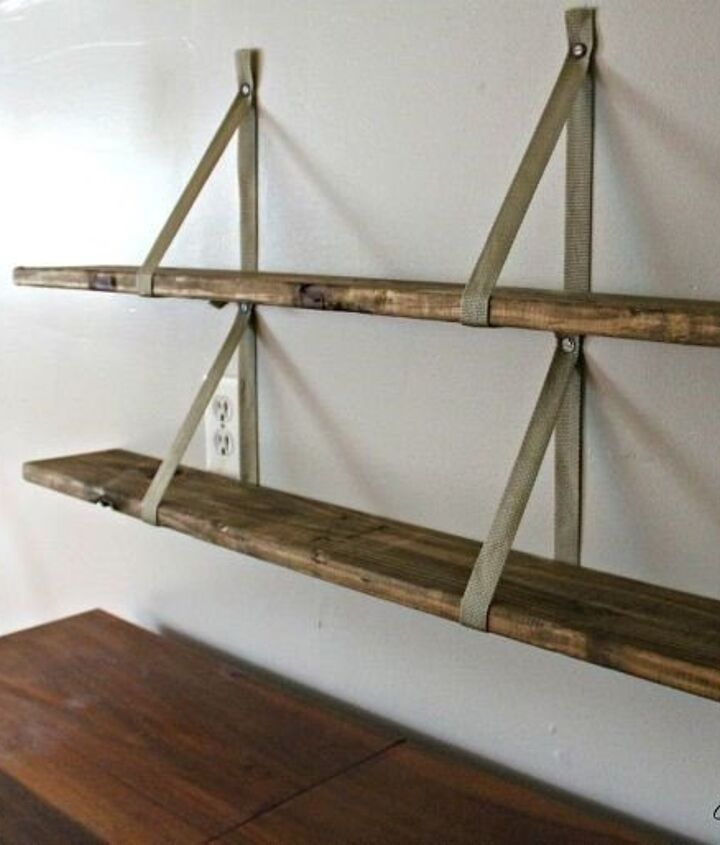 Pallet Shelving Ideas (Creatively Living)