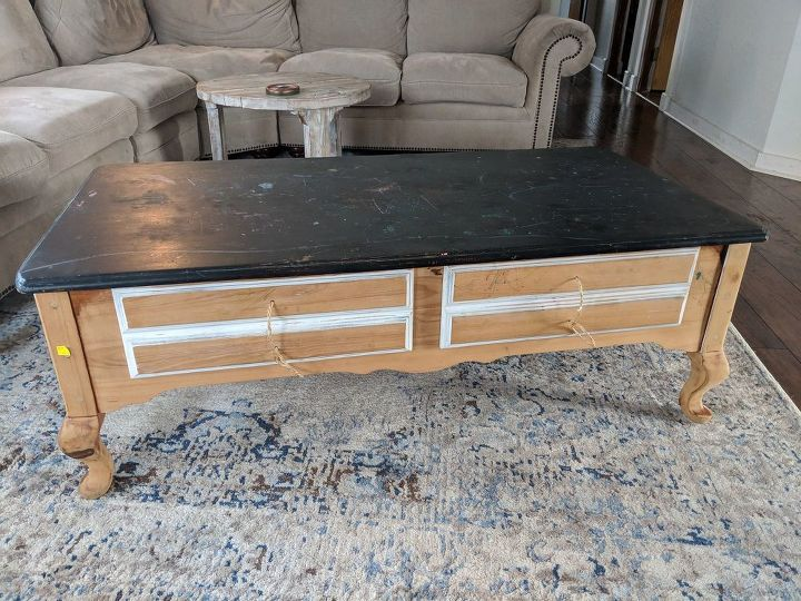 farmhouse style coffee table makeover