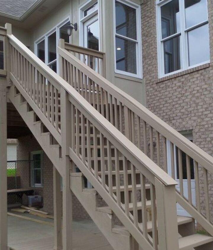 Outdoor Deck Railing (Holly Prim)