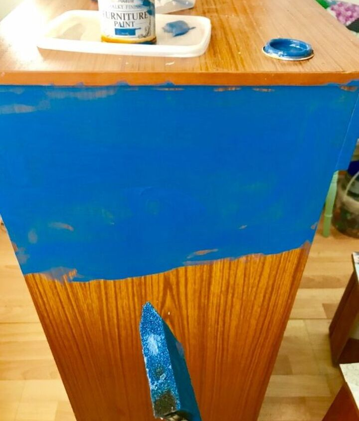 Paint sides in Rust Oleum furniture paint