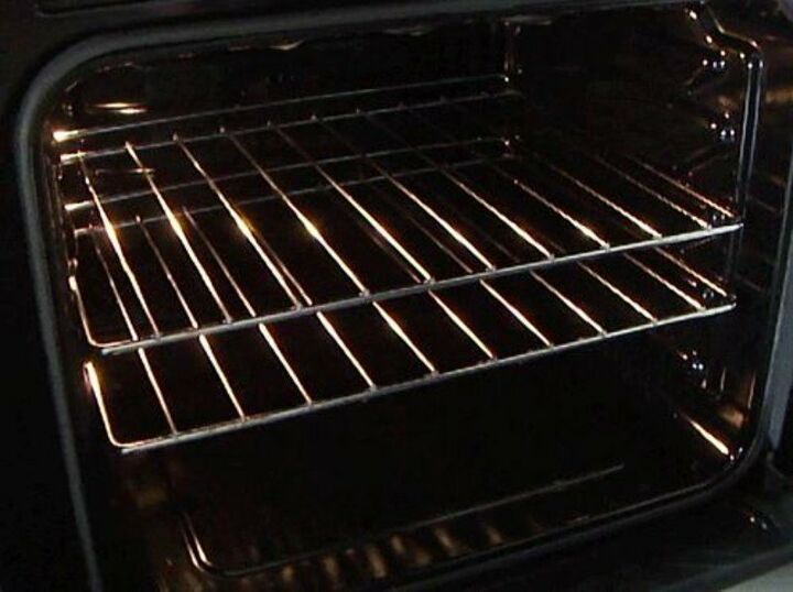 Cleaning Oven Racks (Julien K., Hometalk Team)