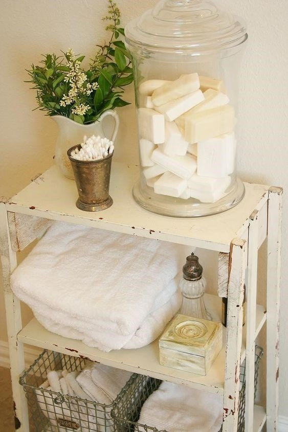 Bathroom Decor Ideas (The Farmhouse Porch)