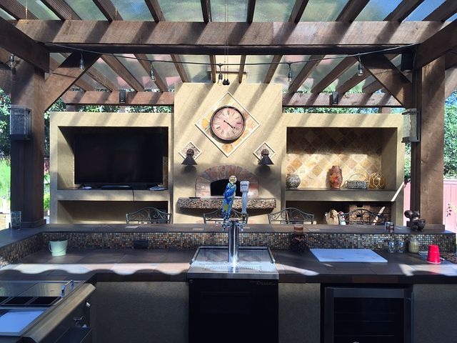 Outdoor kitchen (pixabay)
