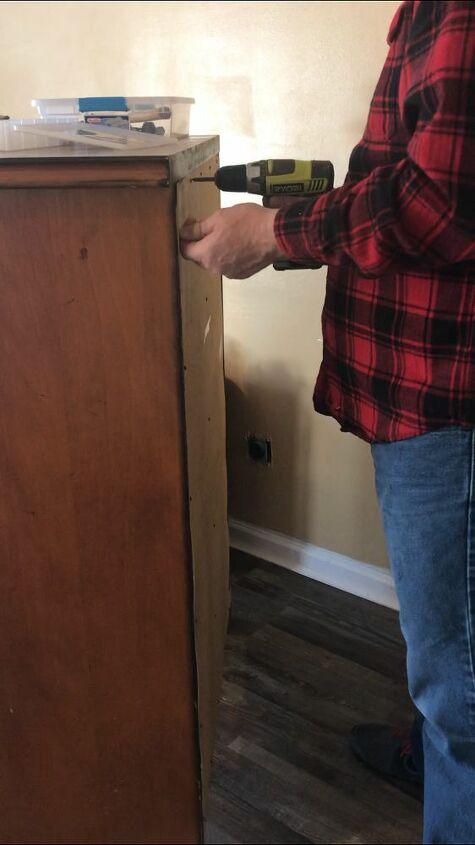 Removing the Dresser Back