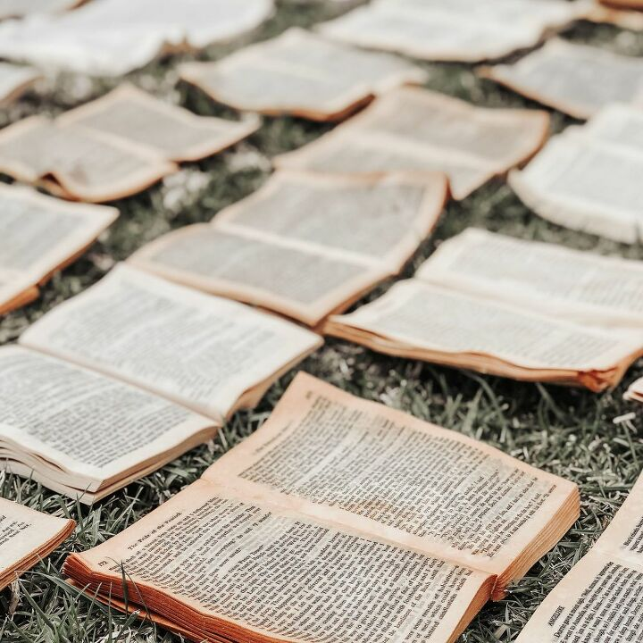 How To Make Diy Faux Vintage Book Wall Art Installation