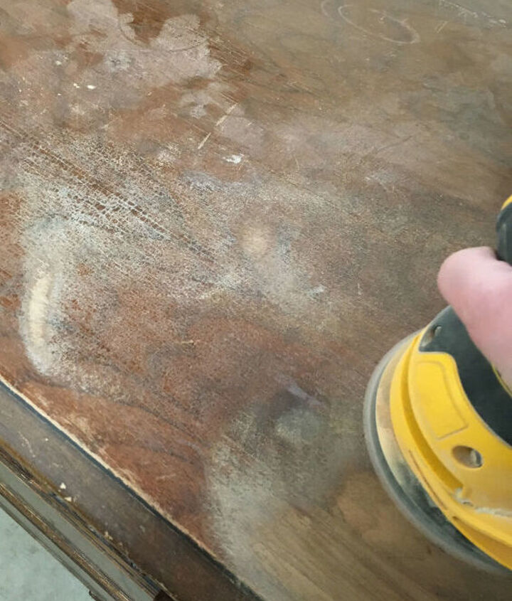 how to get the chippy painted look on painted furniture