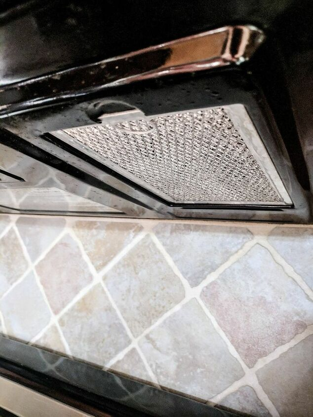 clean oven vents in minutes with this easy kitchen hack