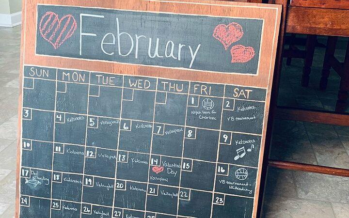 how to make a diy wood chalkboard wall calendar