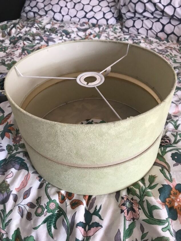 fabulous fabric lampshade restyle, Old lampshade