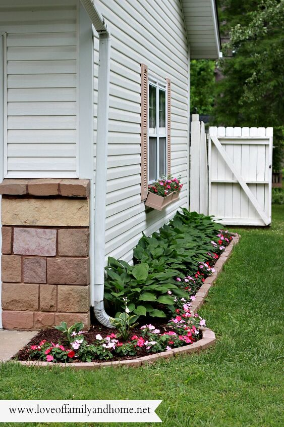 s 25 great ideas to improve your curb appeal in a weekend, Transform Your Side Yard Into a Beautiful Feature