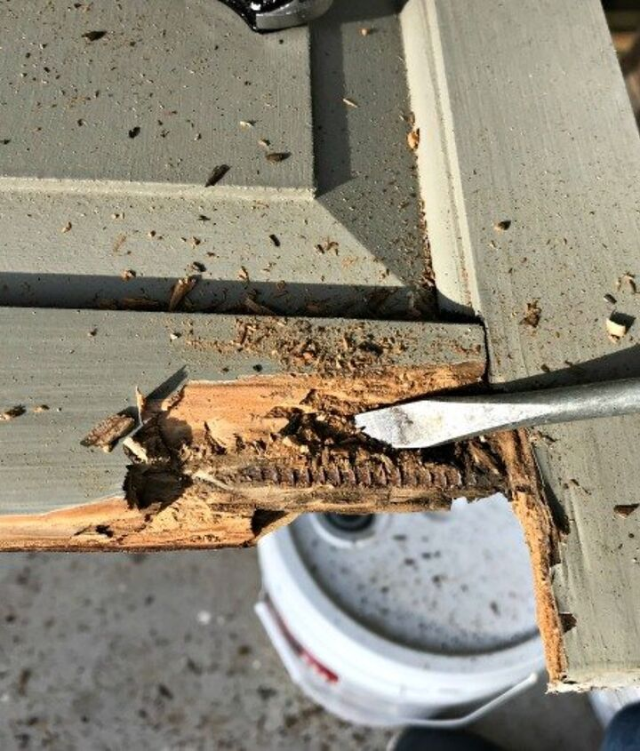 repairing wood damage with bondo