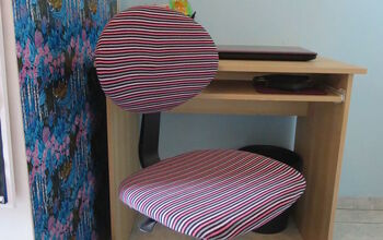 How I Use Old Clothes to Give New Life to a Desk Chair
