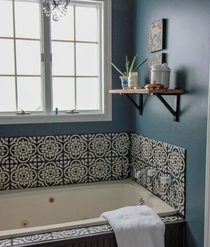 This tub makes a statement!