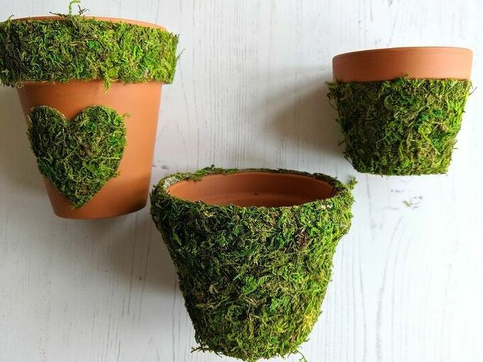 how to make pretty moss covered flower pots