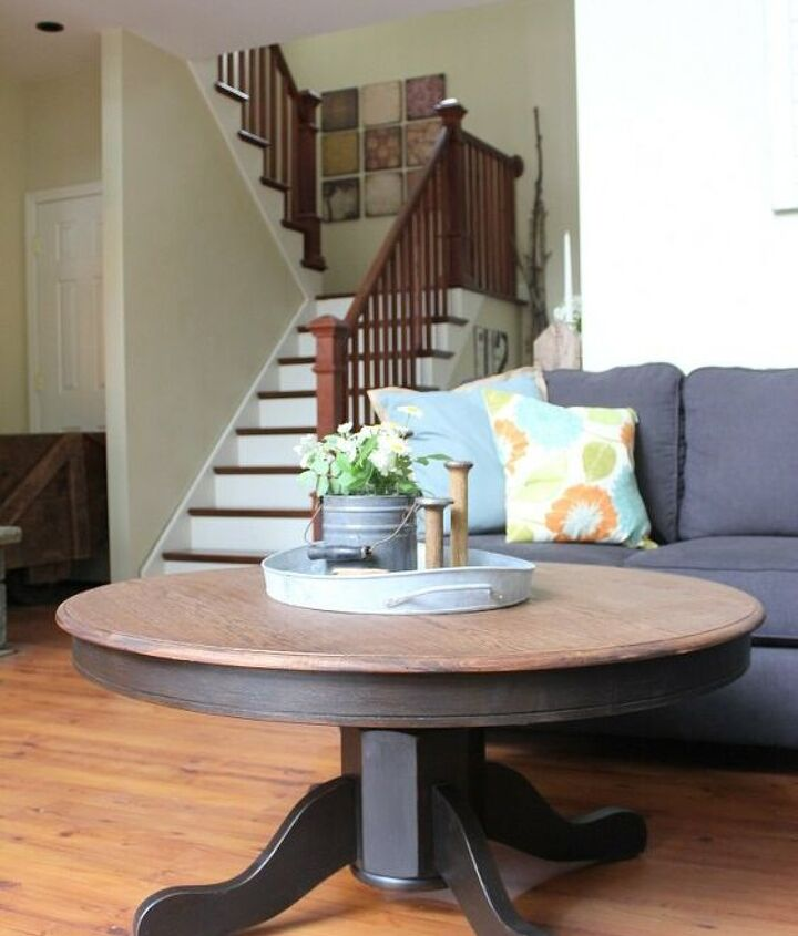 s 12 gorgeous ways to add character to your home with diy farmhouse deco, Fantastic Farmhouse Living Room Decor