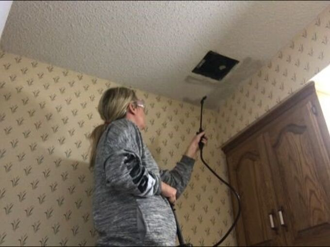 how to remove popcorn ceilings without breaking the bank or your back, Amber Foster