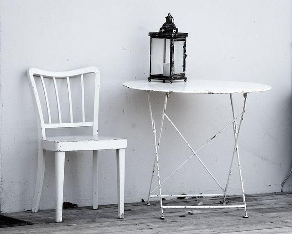 Furniture Refinishing (Pixabay)