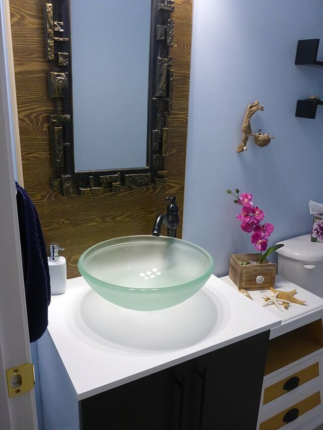 powder room gets a much needed mini makeover