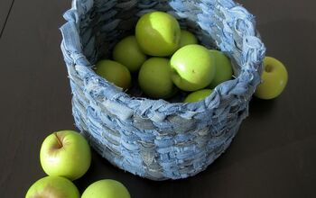 How to Make a Woven Basket With Old Jeans