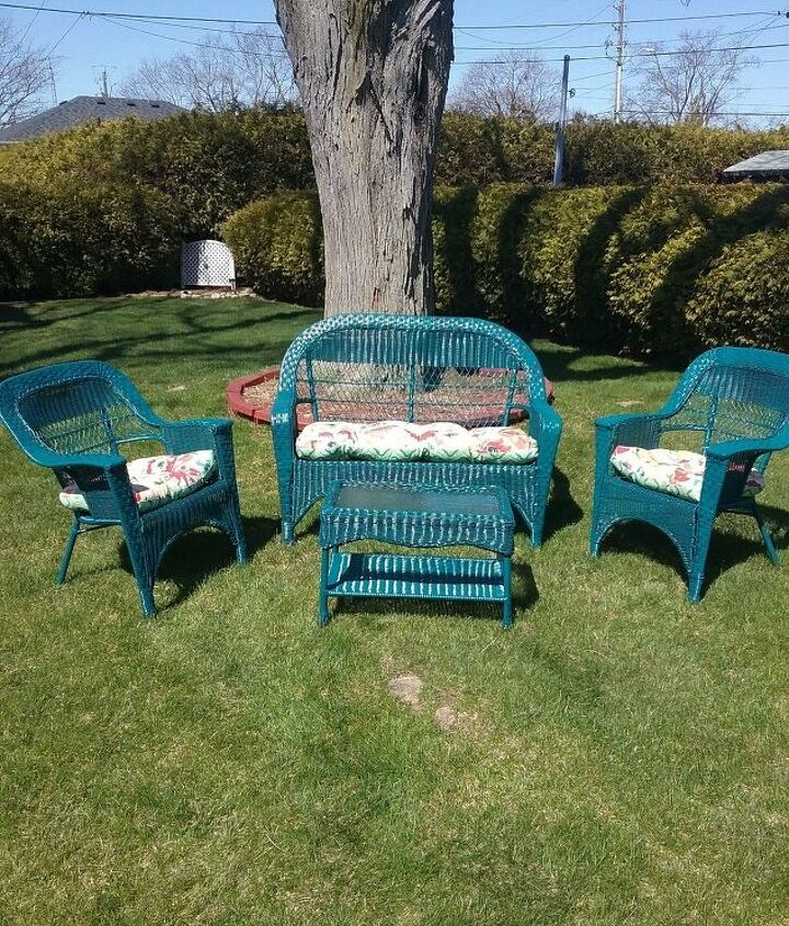 s best diy patio furniture projects, Easy Transformation of Used Wicker Outdoor Patio Furniture