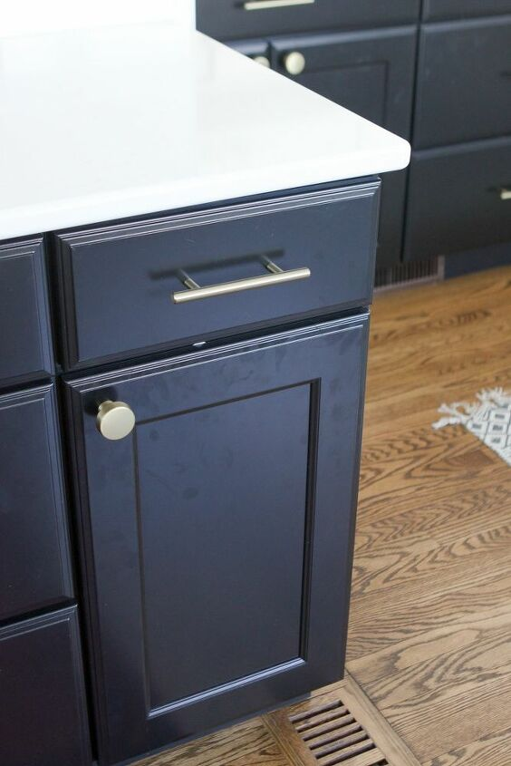 a diy solution to clean black kitchen cabinets