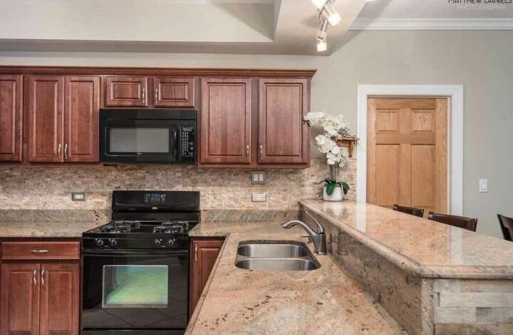 q what to do with these horrendous granite counters