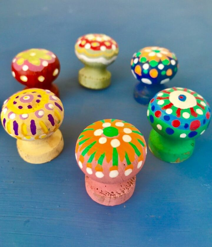 Sweet little Painted drawer knobs