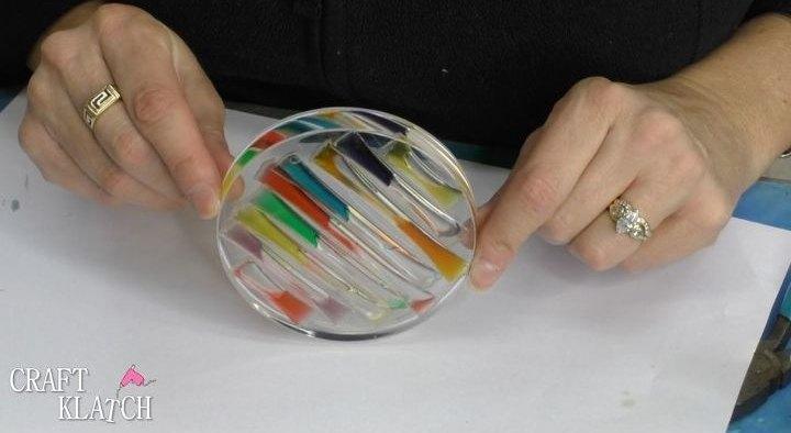 liquid rainbow resin coaster diy