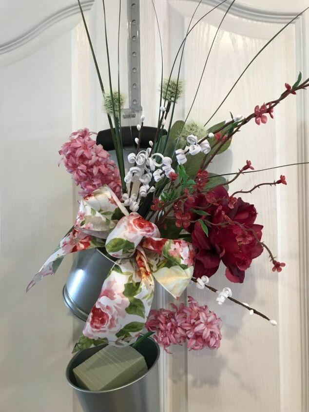 garden shovel wreath
