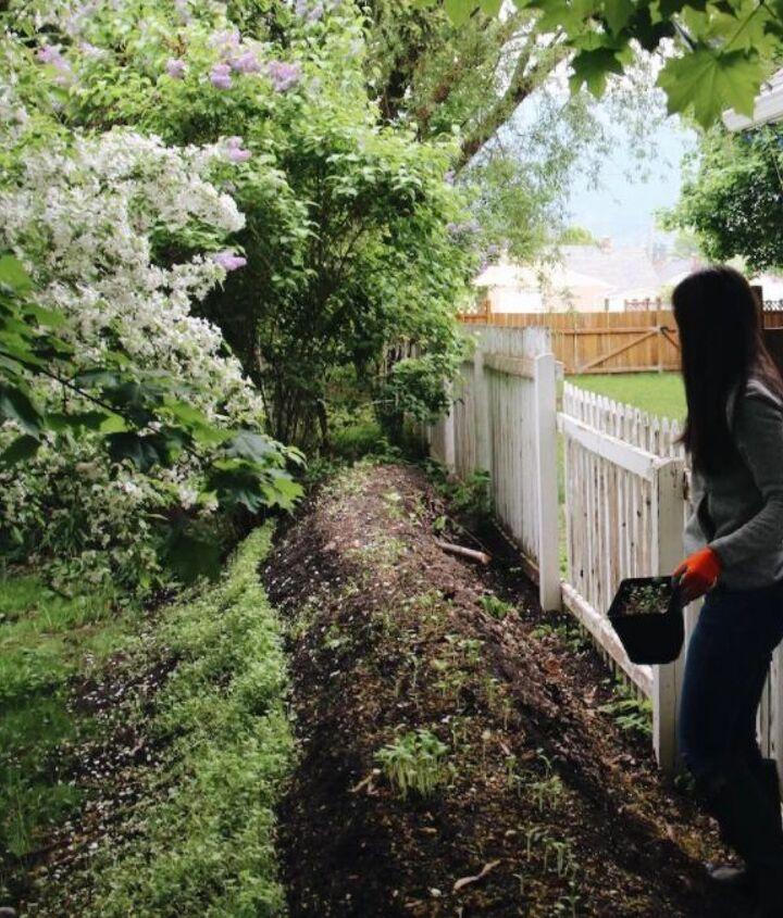 s diy raised garden bed ideas, Hugelkultur An Eco Friendly Raised Garden Bed
