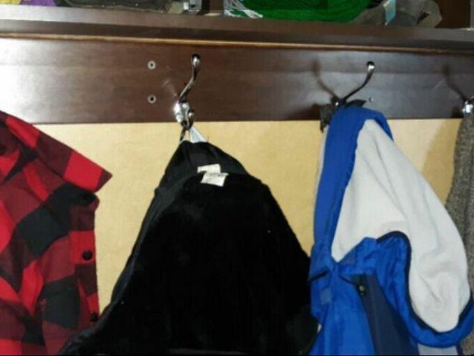 sturdy coat hanger