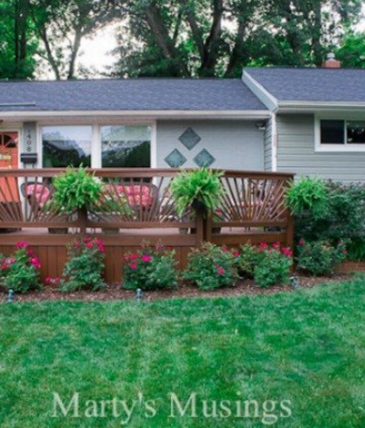 s deck railing ideas, Sunburst Style Deck Railing Offers a Surprising Amount of Privacy