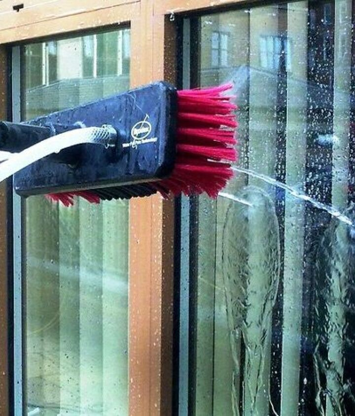 s best ways to clean with vinegar, An Easy Way to Instant Sparkle Cleaning Windows with Vinegar
