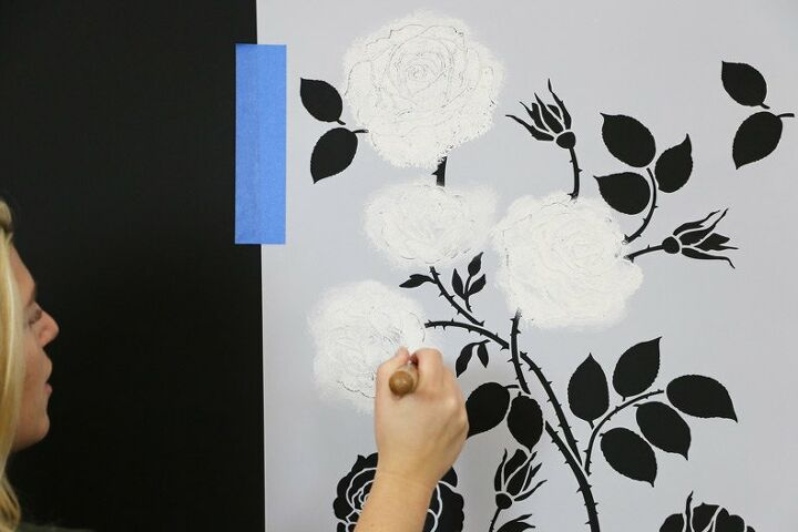 how to stencil a metallic floral feature wall