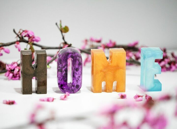 how to make gorgeous epoxy letters to decorate your home