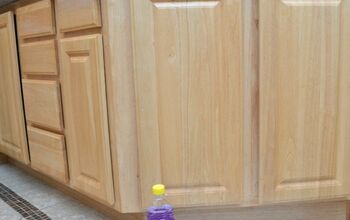 The Easy Way to Clean Kitchen Cabinets