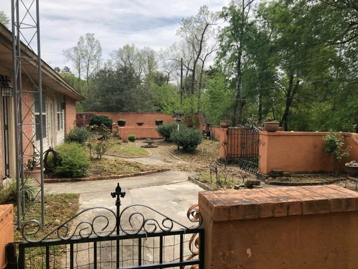 q help remodeling home and have no idea what to do with the patio