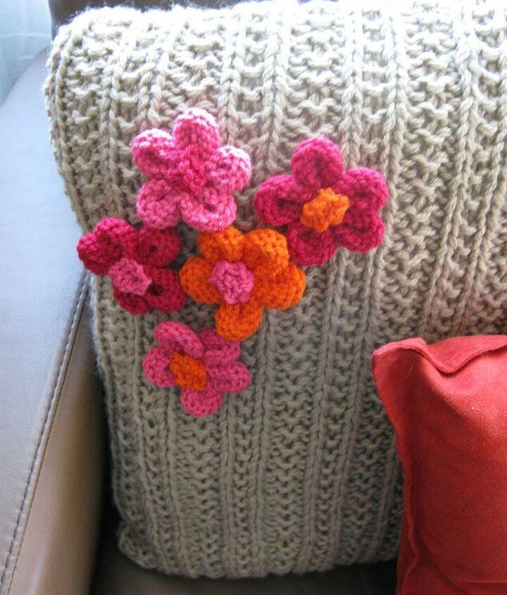 Knit a Cushion