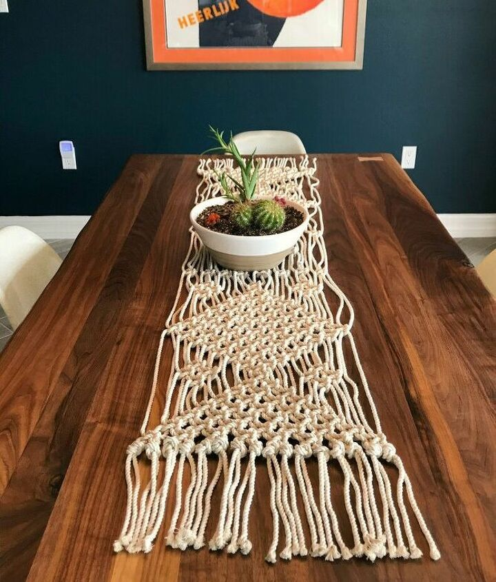 s macrame, Make an Easy DIY Macrame Table Runner